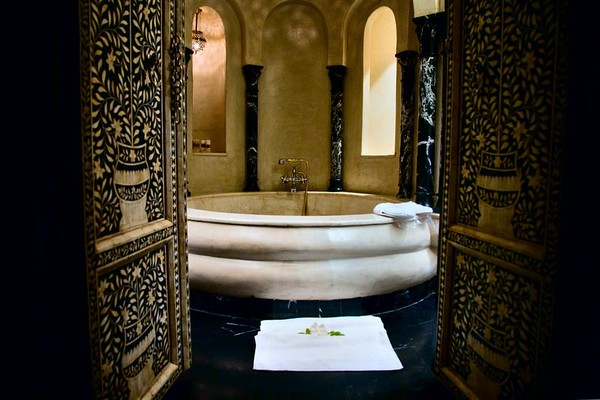 la sultana bathroom marrakech morocco